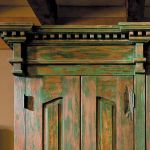 Cabinet crown moulding