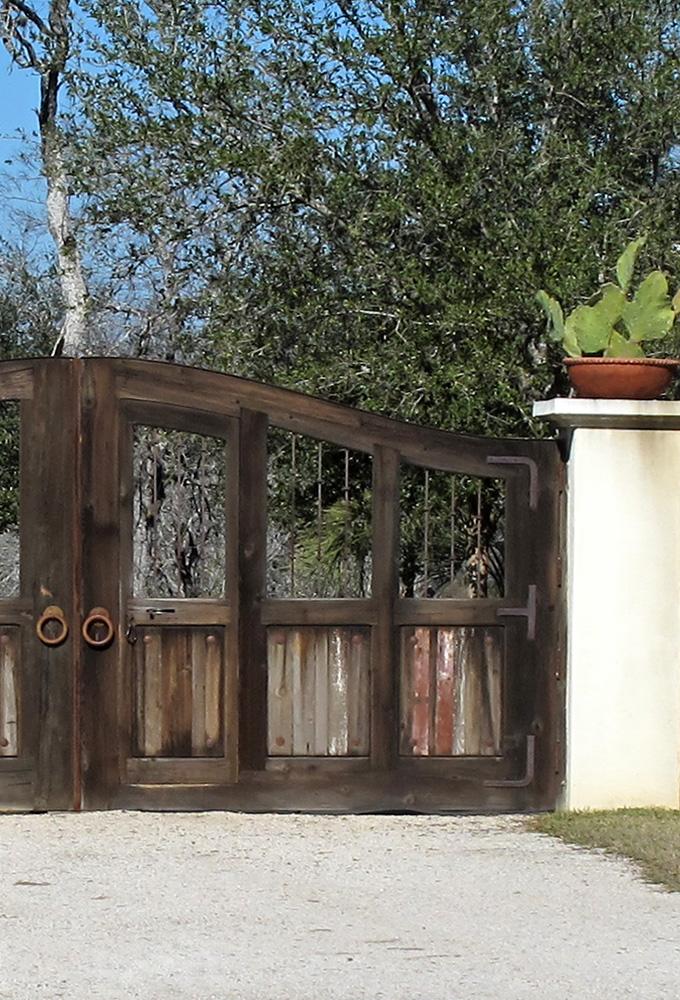 Driveway Gates with Grillwork - La Puerta Originals