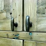 Knobs to custom kitchen cabinets