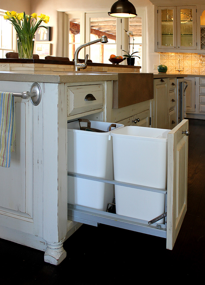 Kitchen island recycle station