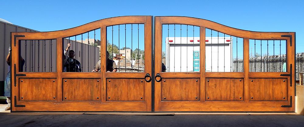 Automatic property gate